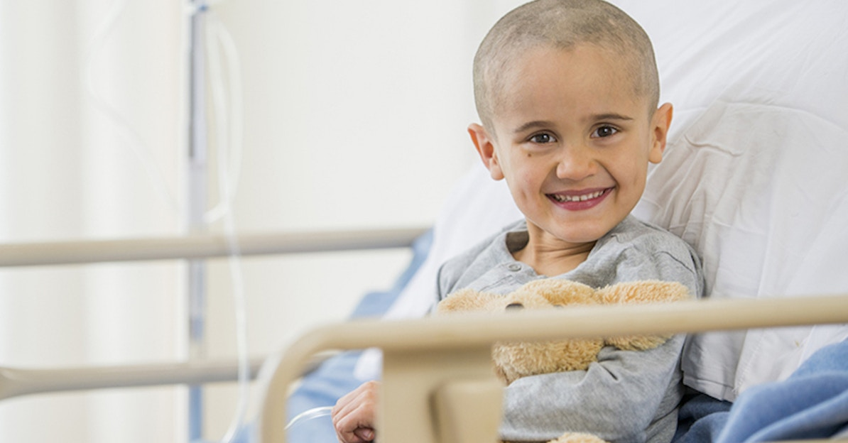 There's a cool new way to help kids with cancer keep calm during treatment.